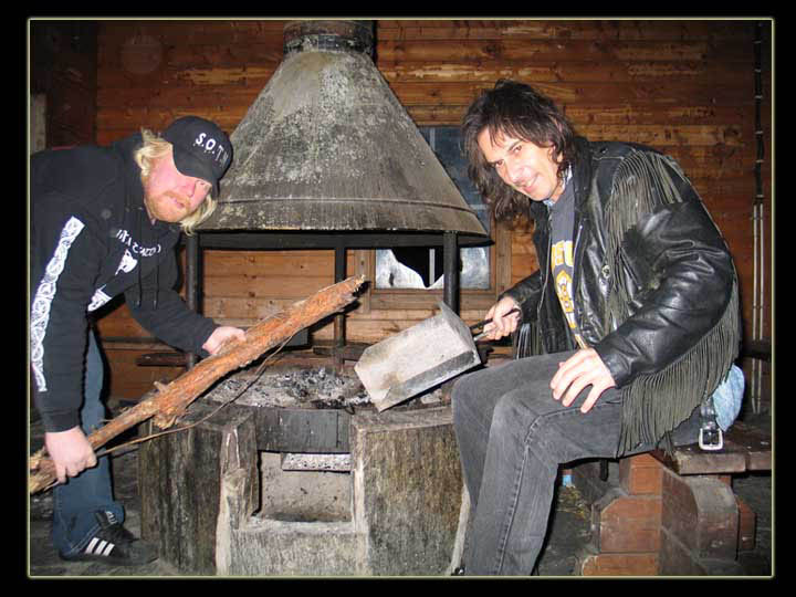 rebel_vikings_autumn2005_wood_stove